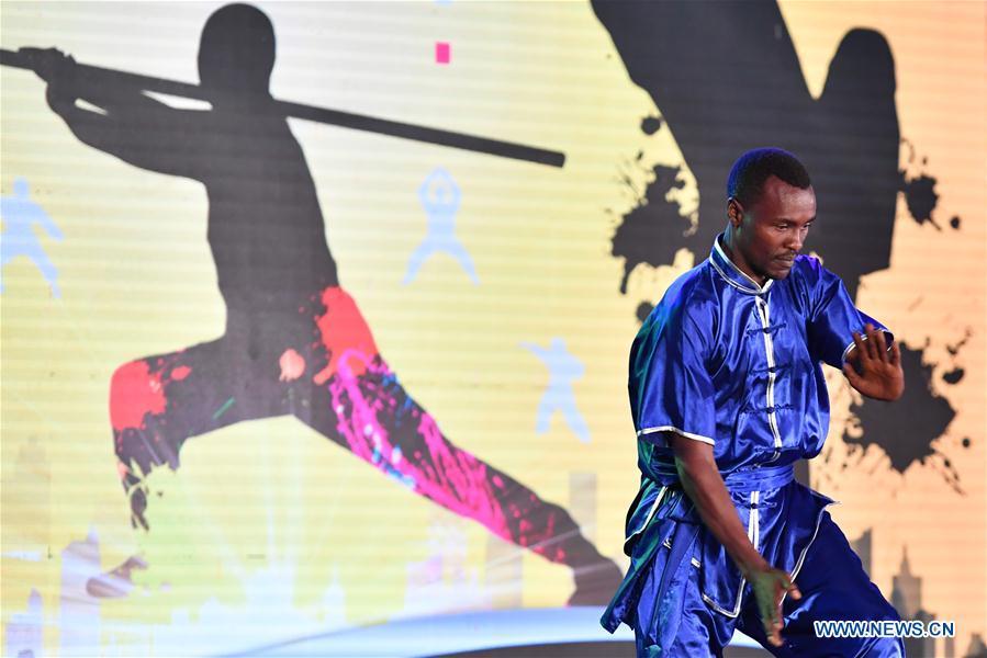 A local kungfu practitioner demonstrates Chinese Kungfu during the Kungfu Festival in Nairobi, Kenya, Nov. 5, 2016. (Xinhua/Sun Ruibo)