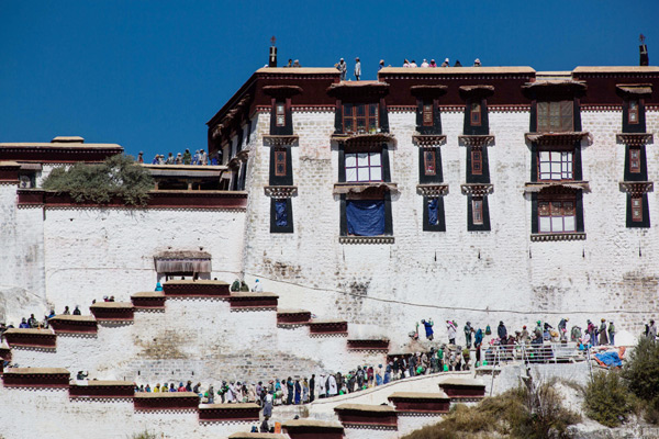 Renovation and repainting work has begun at the World Heritage Site, Potala Palace.