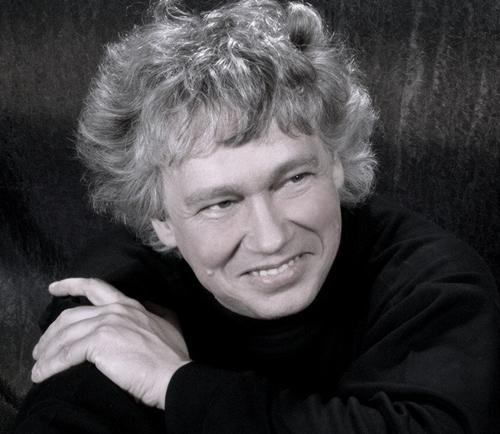匈牙利著名钢琴家、指挥家、作曲家佐尔坦·科奇什