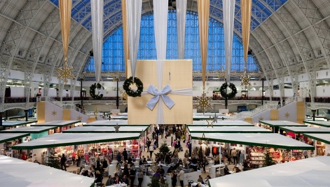 This festive season, Scandinavian-themed decorations and muted colours - such as silver and grey - are a top trend when it comes to Christmas interiors. Exhibitors at London