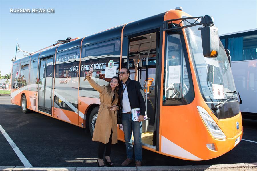 Китайские электробусы перевозят участников климатической конференции в Марракеше