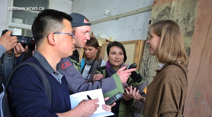 """Евгения отвечала на вопросы журналистов, которые приняли участие в медиатуре """"Китай и Россия на Шелковом пути""""."""