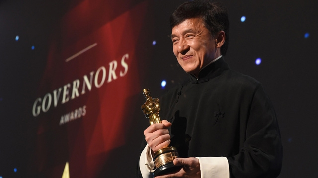 The Academy of Motion Picture Arts and Sciences presented an Honorary Award to Chinese actor Jackie Chan on Saturday, making him the first Chinese person to receive such a honor.