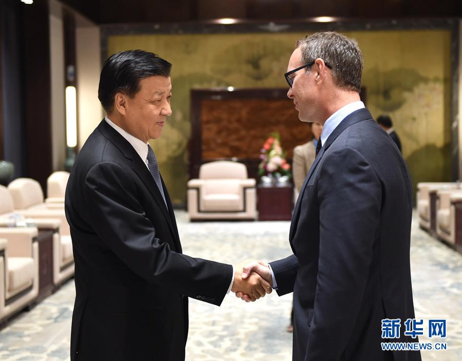 التقى ليو يون شان مع رئيس شركة كوالكوم الأمريكية ديريك أبيرلي