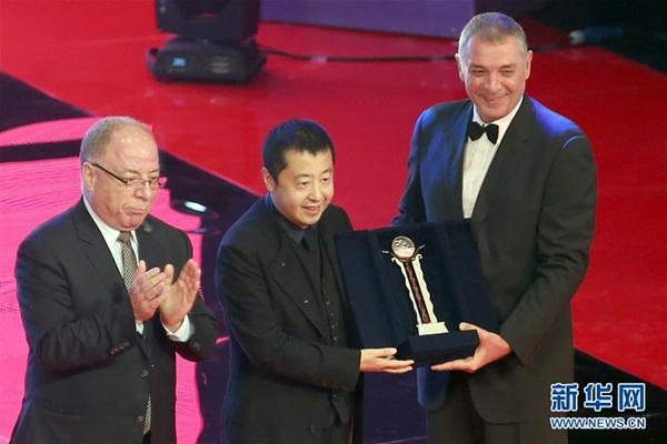 المخرج الصيني جيا تشانغ كه يحصل على جائزة الإنجاز الفني