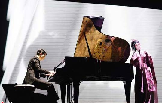 """It might seem that French composer Claude Debussy and Du Liniang, the heroine of The Peony Pavilion by Ming Dynasty playwrighter Tang Xianzu, have nothing in common. But pianist Gu Jieting has discovered a common thread between the two characters in her musical """"Rencontre between Debussy and Du Liniang"""", which has been staged at Beijing"""