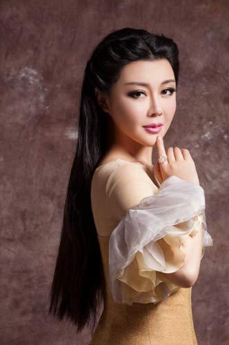 赵一颐放歌《中国情歌汇》分享情歌背后的故事