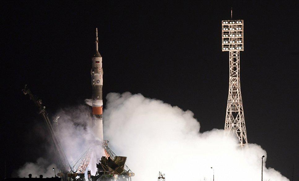 Россия отправила на МКС пилотируемый корабль с новым экипажем на борту