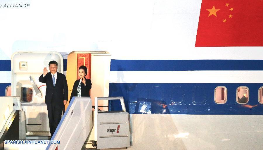 Presidente chino llega a Lima para APEC y visita de Estado