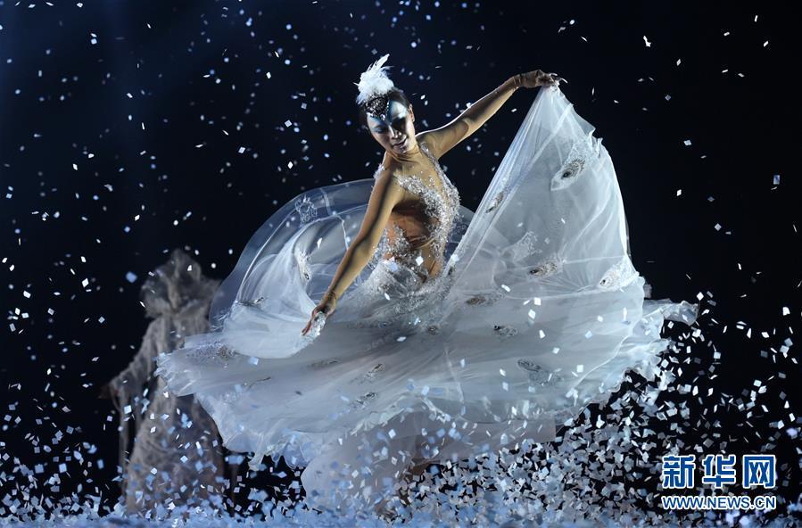 Знаменитая балерина Ян Липин вернулась на сцену