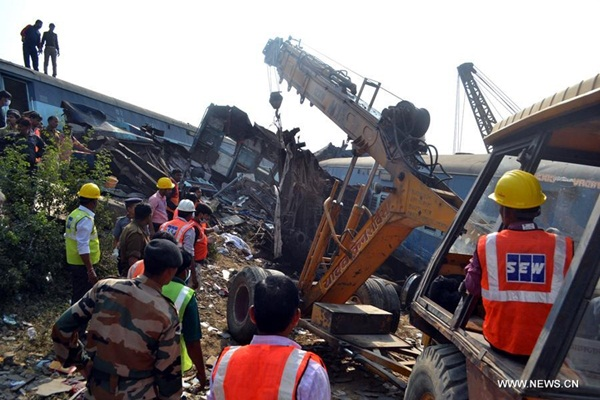 تقرير اخباري: ارتفاع حصيلة قتلى حادث قطار الهند إلى 120