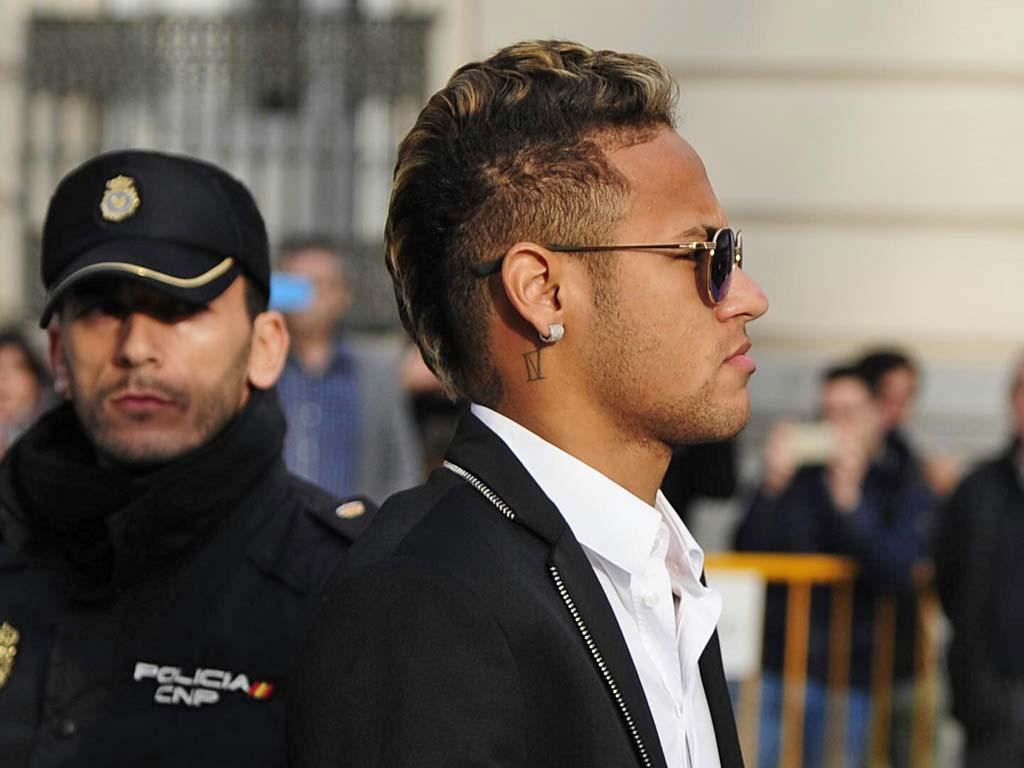 La Fiscalía española pide dos años de prisión para Neymar