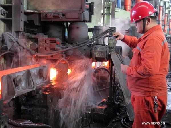 """تحقيق هدف تقليل قدرة انتاج الصلب والفحم في الصين """"بشكل اساسي"""""""