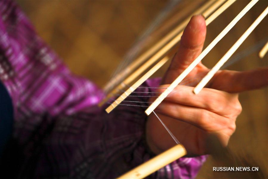 Бумажные зонтики из Цзялу -- узнаваемый образ Китая