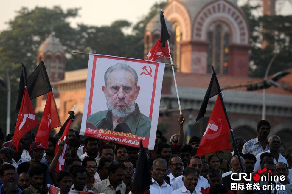 Los cubanos,estremecidos por la muerte de Fidel Castro