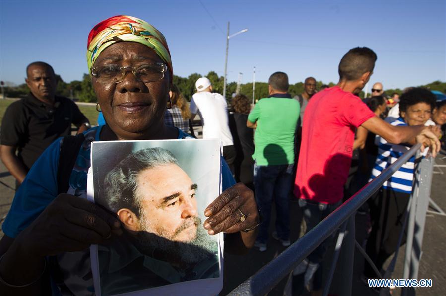 Cuba rinde tributo al fallecido líder histórico Fidel Castro