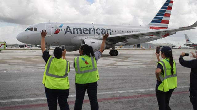 Vuelo comercial estadounidense aterriza en La Habana 50 años después