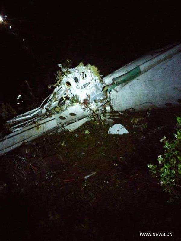 مقتل 76 شخصا فى تحطم طائرة تقل فريقا برازيليا لكرة القدم في كولومبيا