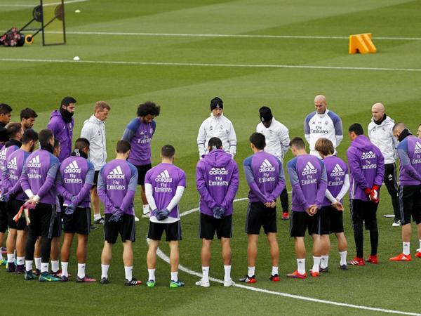 Real Madrid y Barcelona rinden tributo a víctimas del accidente de Medellín