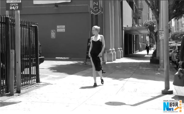 """有""""最性感年历""""之称的大牌年历倍耐力年历(Pirelli Calendar)日前在巴黎举办2017年历发布会,每年年历的摄影写真都备受期待的。   2017年年历拍摄主题为世界顶尖女演员,倍耐力邀请到了包括章子怡、凯特·温丝莱特、妮可·基德曼、朱丽安·摩尔、乌玛·瑟曼在内的活跃在电影荧幕的女演员共同演绎""""才华大于美貌""""的主题。   倍耐力年历从来不做公开售卖,因此更值得珍藏。2017年度拍摄由世界"""