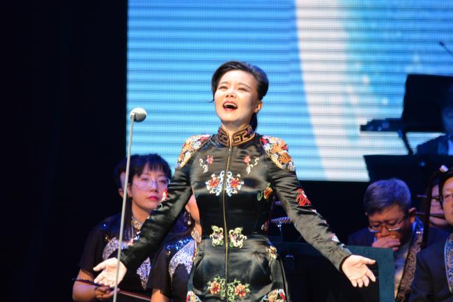 Un espectáculo tradicional chino es un éxito de audiencia en Canadá