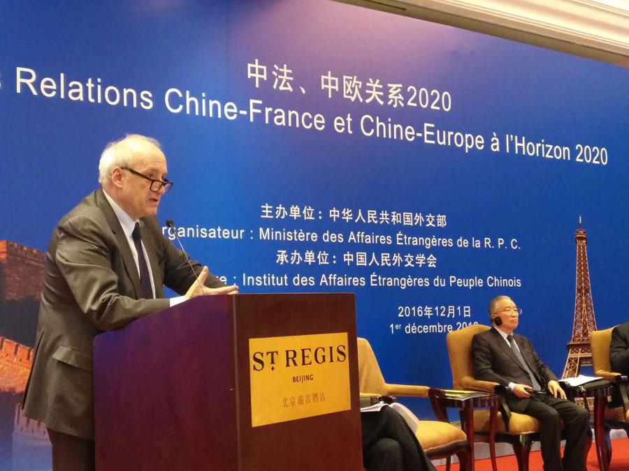 """Hubert Védrine : les incertitudes sont """"à chaque fois des arguments pour renforcer la relation Chine-France"""""""