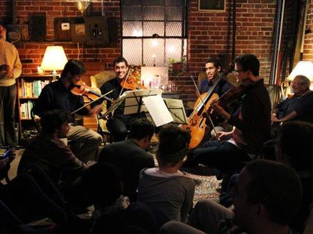 """""""灵感聚集""""(Groupmuse)是一家美国室内乐服务供应商,类似于古典音乐界的""""滴滴打车""""。"""