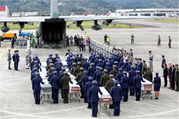 Friday, the remains of several Brazilians who were among the 71 people died in the accident were repatriated back home.