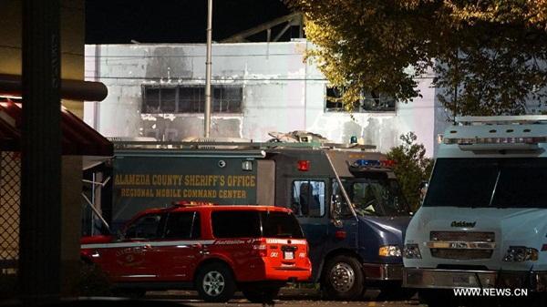 العثور على 30 جثة عقب حريق مستودع فى أوكلاند بولاية كاليفورنيا الأمريكية