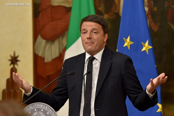 رئيس الوزراء الإيطالي يعلن استقالته بعد الهزيمة في الاستفتاء الدستوري