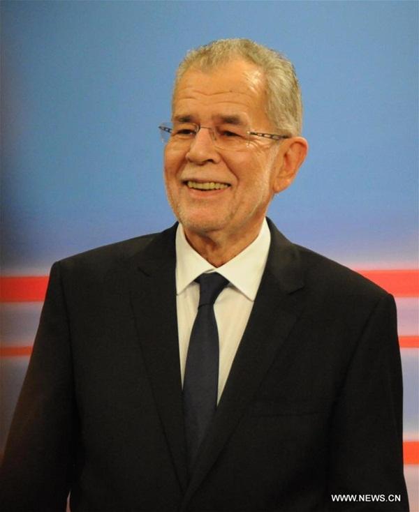 النمسا تنتصر على الشعبوية بفوز فان دير بيلين بالرئاسية