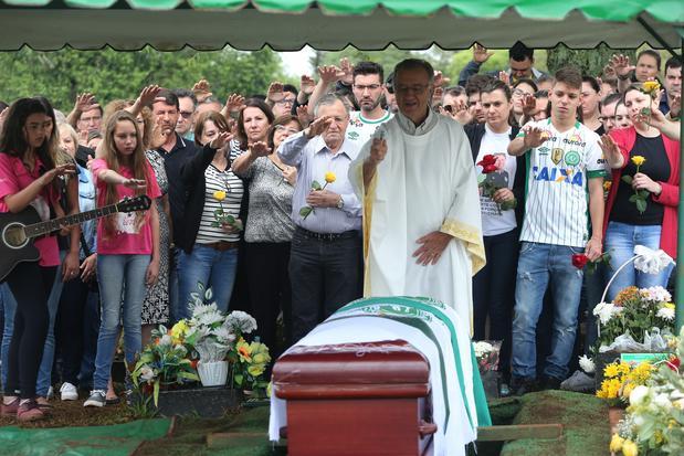 El presidente del Chapecoense recibe sepultura