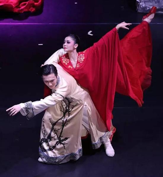 El ballet chino rinde homenaje a dos genios literarios