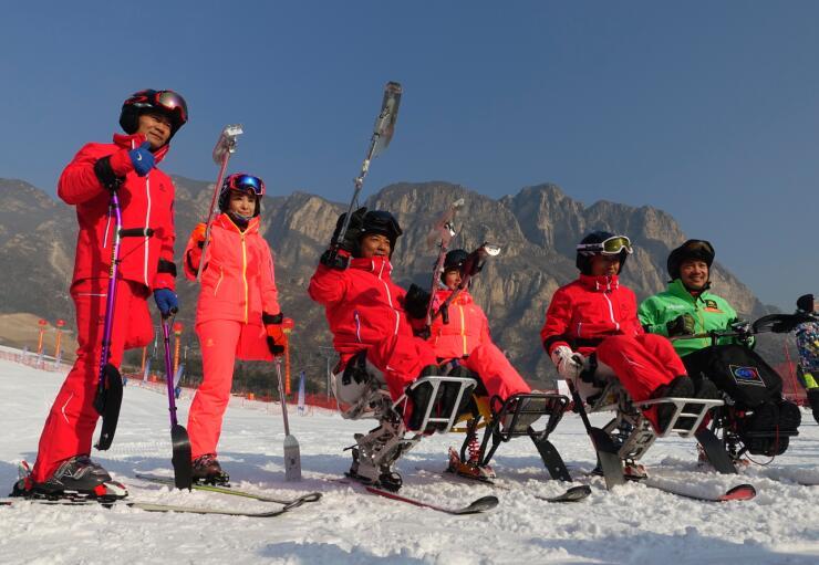 В пригороде Пекина провели спортивный праздник для людей с ограниченными физическими возможностями