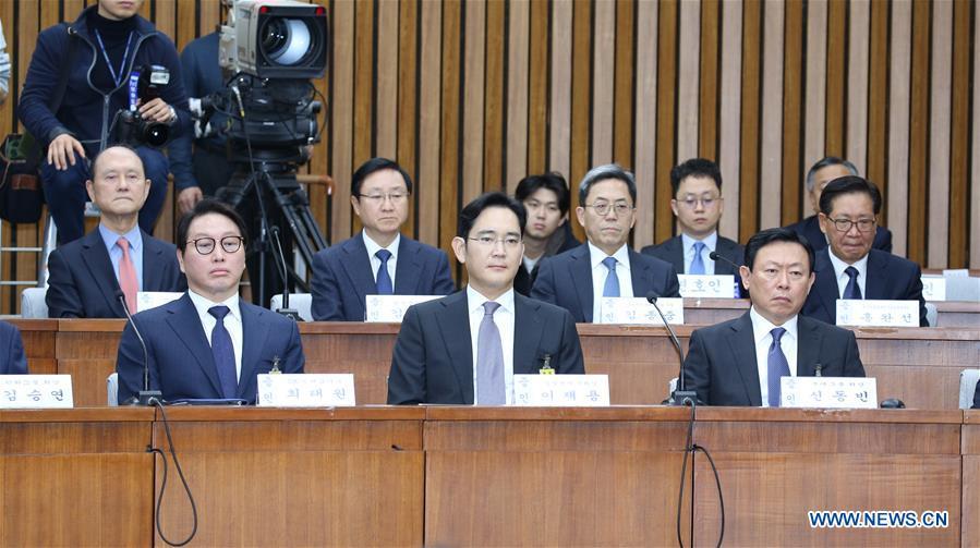 Dirección de Samsung promete evitar futuros problemas