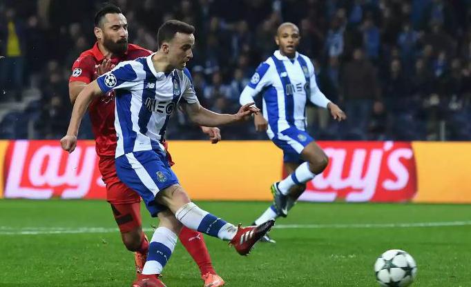 Fútbol: El Oporto golea (5-0) al Leicester y se mete en octavos