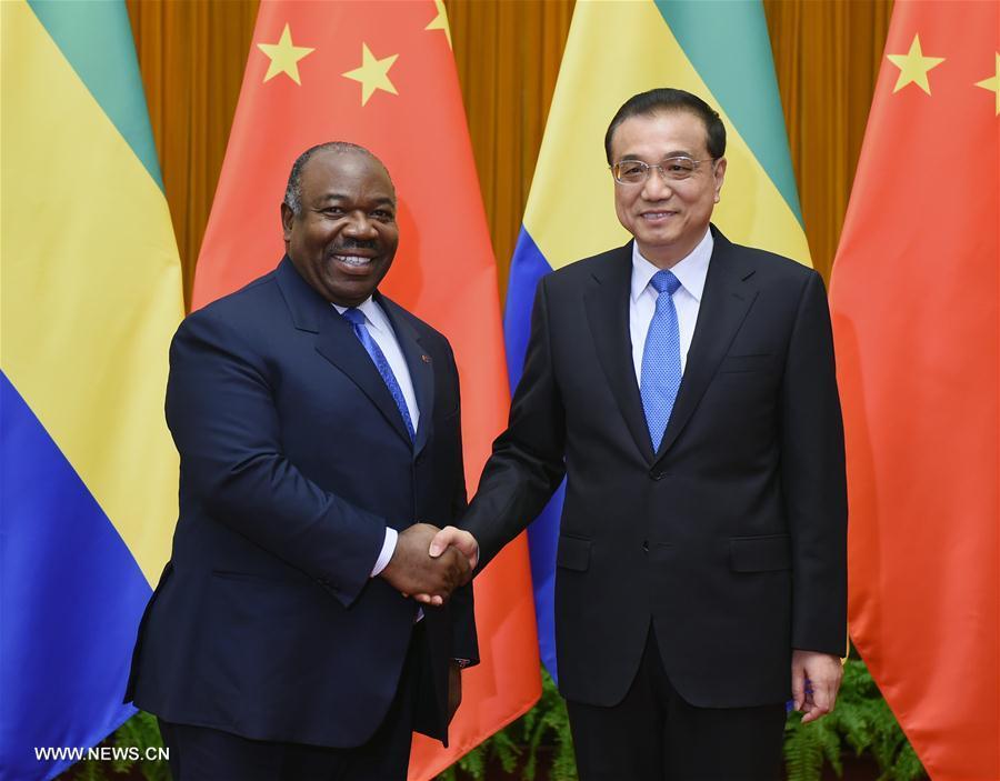 Rencontre à Beijing entre le Premier ministre chinois et le président gabonais