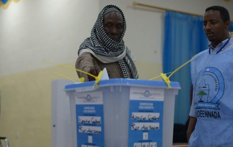 L'élection présidentielle repoussée au 28 décembre