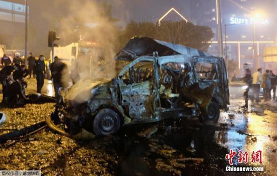 Жертвами взрыва в Стамбуле стали 38 человек