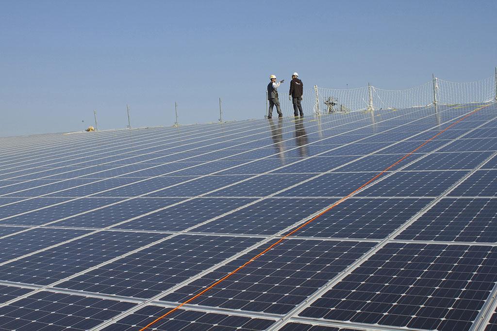 Fabricantes chinos de paneles solares piden levantamiento de aranceles antidumping de UE