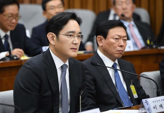En Corée du Sud, les scandales politiques et industriels minent l