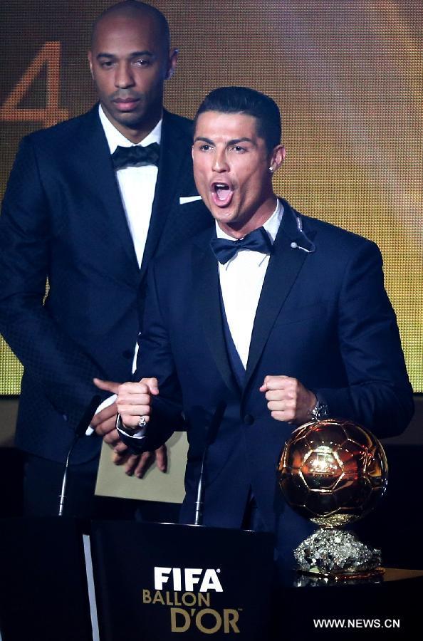 Football : Cristiano Ronaldo remporte son quatrième Ballon d