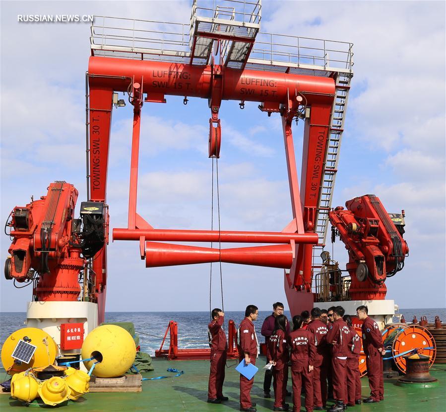 """Команда научного судна """"Кэсюэ"""" модернизирует оборудование для гидрогеологических исследований"""