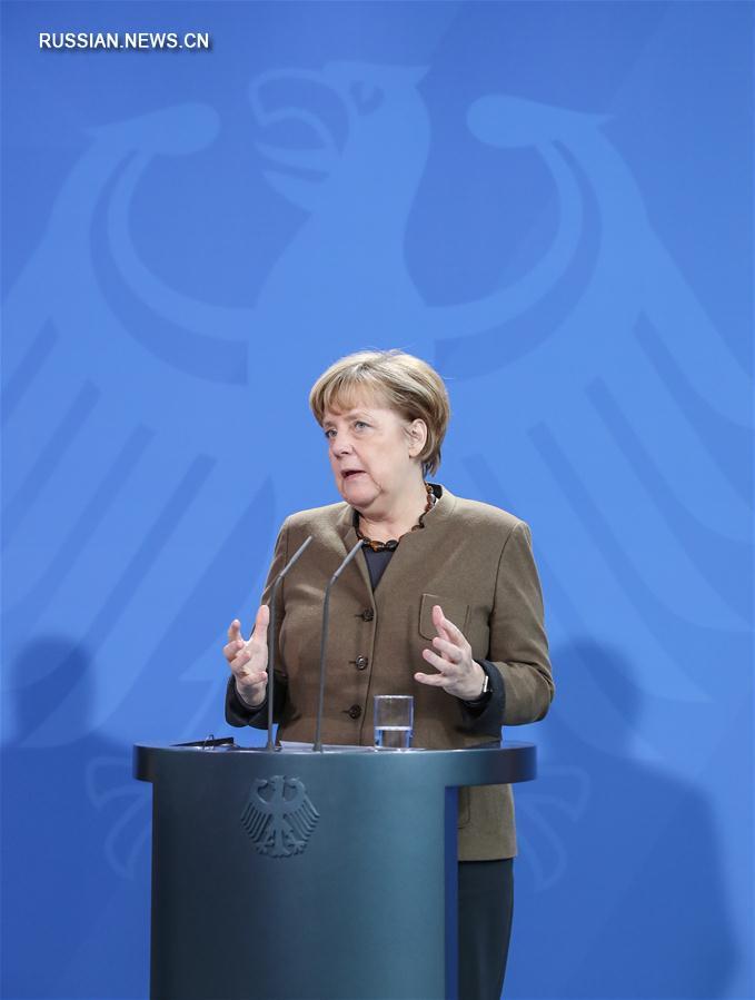 Лидеры Франции и Германии выступили за продление санкций в отношении России