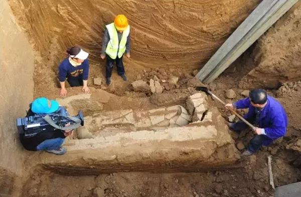 Arqueólogos descubren ruinas bajo el extrarradio de Beijing