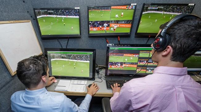 FIFA estrena oficialmente la teconología para rearbitrar jugadas polémicas