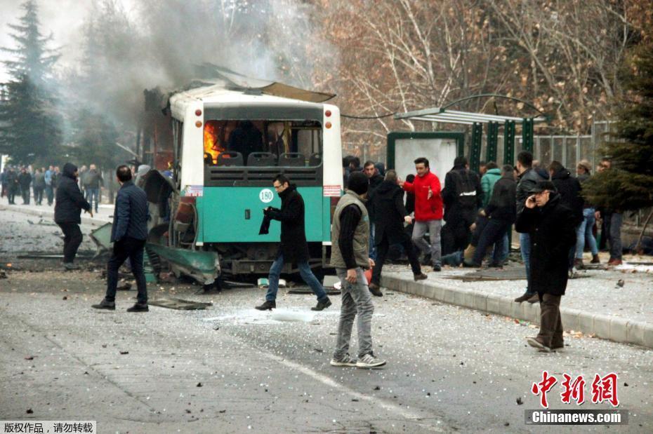 Власти страны сообщили о гибели 13 военнослужащих