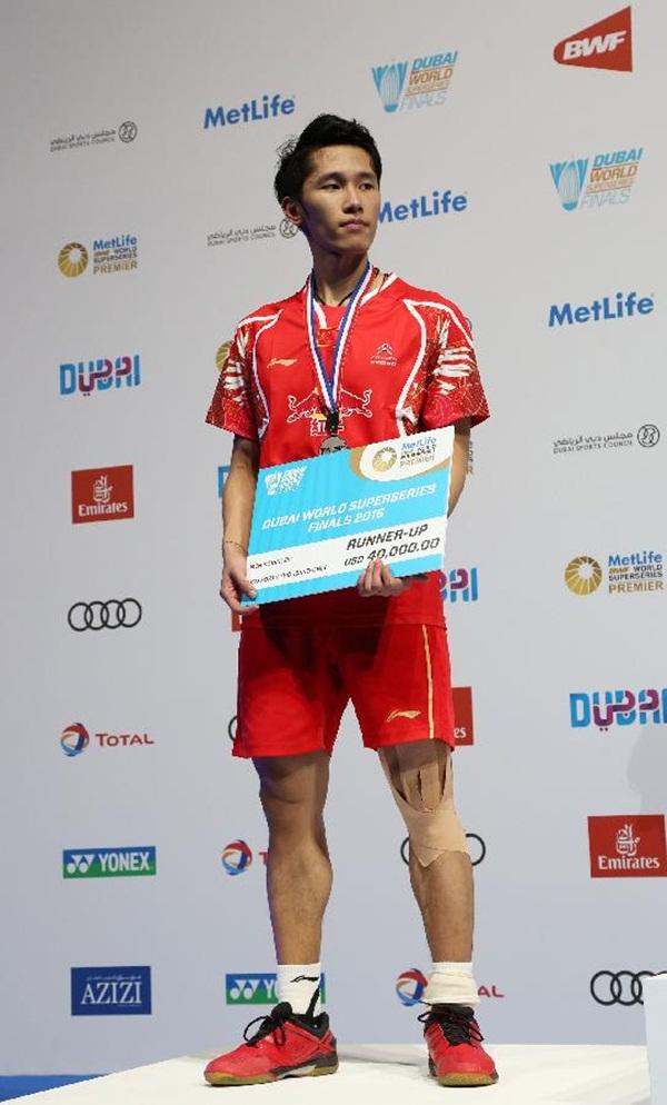 اللاعب الصيني تيان هاو يحصد المركز الثاني والميدالية الفضية في فئة فردي الرجال