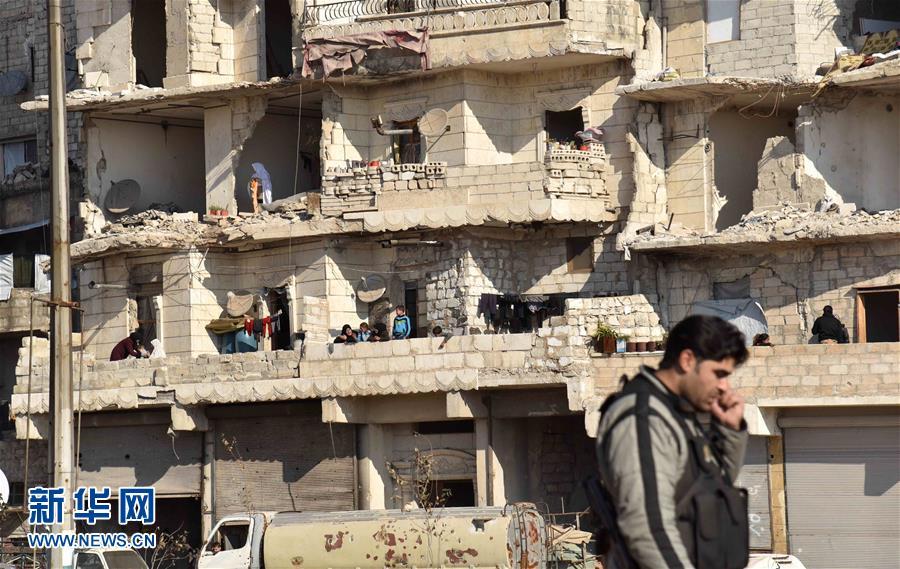 Les civils sont autorisés à retourner dans la citadelle d