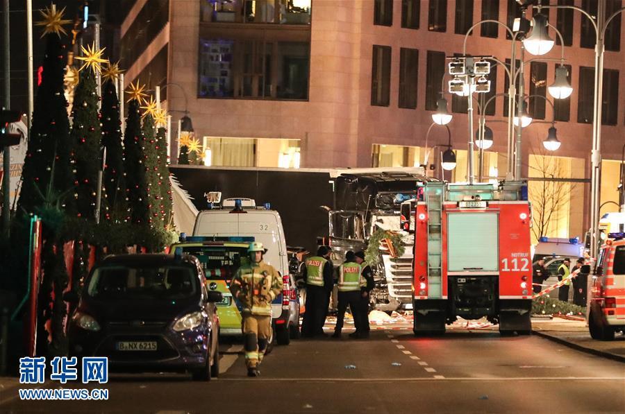 Ataque con camión deja 12 muertos y 50 heridos en mercado navideño de Berlín